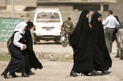 من الترانزيت إلى الاستهلاك.. المخدّرات تتسلّل إلى حقائب طالبات العراق