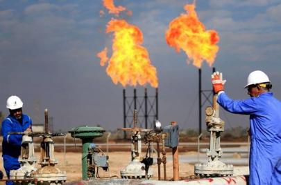 كيف تحرق وزارة النفط غاز بقيمة 5 مليار دولار سنويًا؟