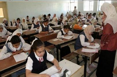 في مناطق مختلفة من بغداد.. طلبة السادس الابتدائي يمتحنون بأسئلة مرحلة أخرى!