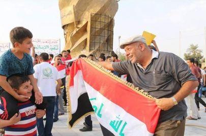 13 رصاصة تستقر في جسد روائي عراقي.. وناشطون عراقيون: من قتله؟