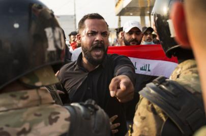 مواجهة الاحتجاجات بحجب الإنترنت.. عراقيون يفقدون وظائفهم وخسائر فادحة!