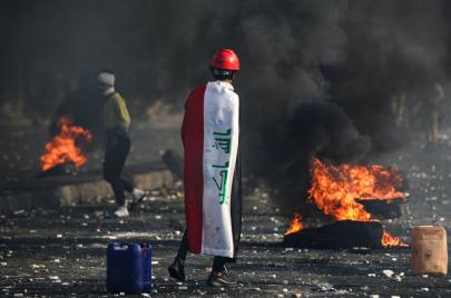 34 معتقلًا خلال ساعات.. هل هناك مادة قانونية تعاقب على حرق الإطارات؟