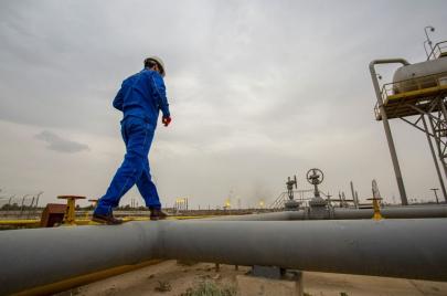 بغداد تدرس عقود خط النفط إلى الأردن