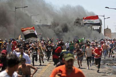 ما هي معوقات التحول الديمقراطي في العراق؟
