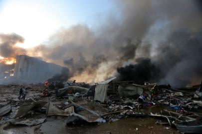الصدر يعلق على تفجير بيروت الهائل.. والشيخ علي يتحدث عن قصف إسرائيلي