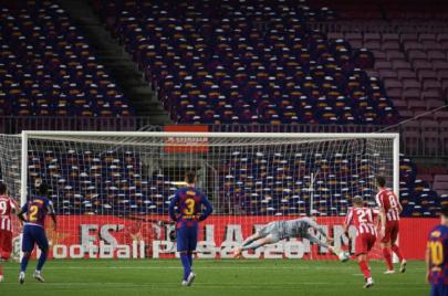 أتلتيكو مدريد يهدي جاره الريال تعادلاً مثيرًا من ميدان برشلونة