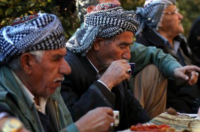 الأحزاب الكردية تشعل أزمة غاز في أربيل.. هل تتحوّل إلى خلافات سياسية كبيرة؟