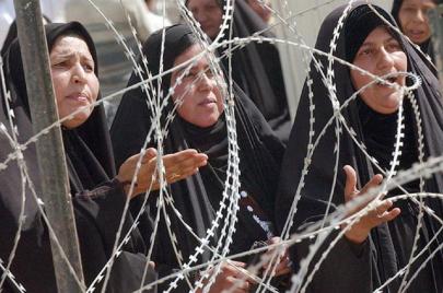 الضغوط الاجتماعية ومواقع التواصل.. ما الدوافع الأخرى لانتحار العراقيات؟
