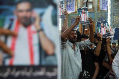ناشطون يعيدون موقف إيهاب الوزني من