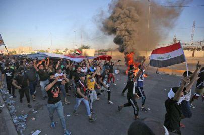 استذكار للضحايا ووعود بالعودة.. ناشطون يحيون الذكرى السنوية لانتفاضة تشرين